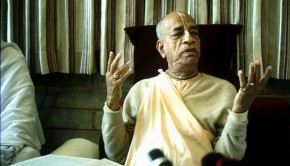 Srila Prabhupada at press conference