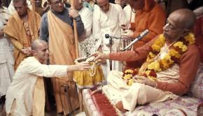 Srila Prabhupada initiates a disciple