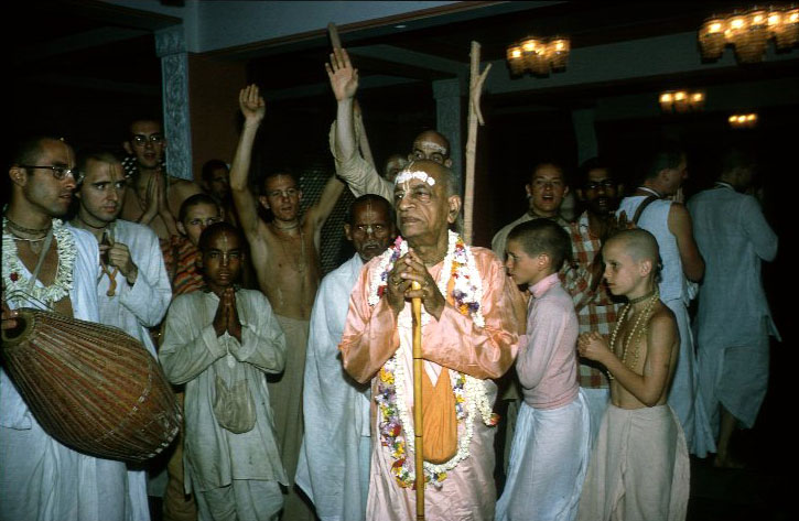 Srila Prabhupada in Mayapur Temple Praying to Deities