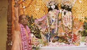 Srila Prabhupada offers the first aroti to Sri Sri Krishna Balarama in Vrindavan