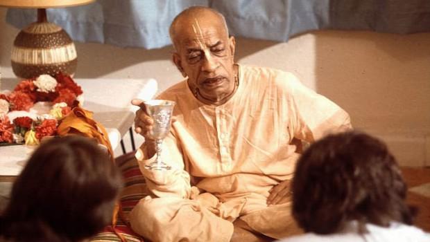 Prabhuapda Speaks to Guests in His Room