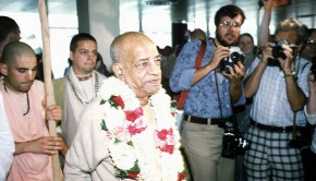 Srila Prabhupada arriving in an airport