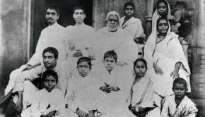 Bhaktiviinoda Thakur and family