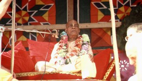 Srila Prabhupada on New York Ratha Yatra Cart