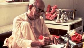 srila-prabhupada-writting-2