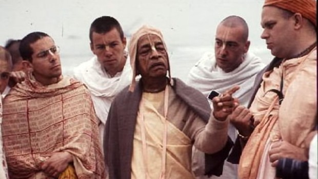 Srila Prabhupada and Ramesvara cropped