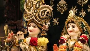 Sri_Sri_Rukmini_Dwarkadhish_Close_up_-_2400x1800