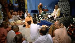 Srila Prabhupada preaching in South American temle