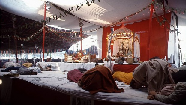 ISKCON devotees offer obeisances to Srila Prabhupada at Indian pandal program