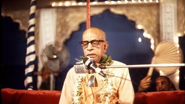 Srila Prabhuapda Speaking