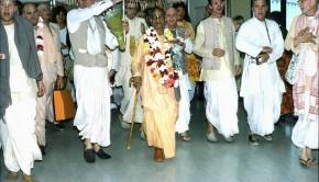 Srila Prabhupada and disciples at San Francisco Airport