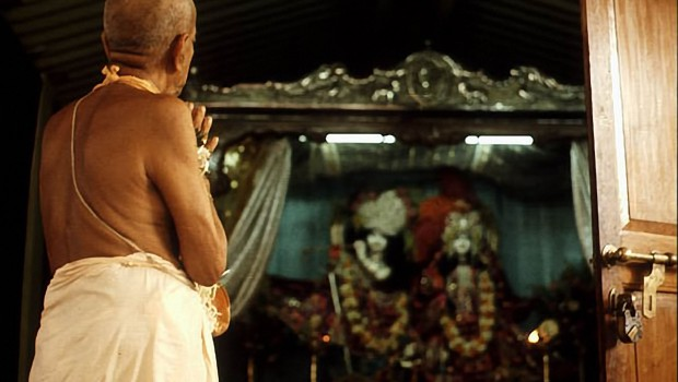 Srila Prabhupada Praying to Radha Rasabhri in temporary Juhu Temple