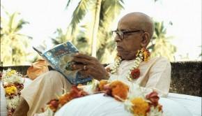 Srila Prabhupada Reads Srimad Bhagavatam
