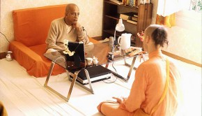 Srila Prabhupada speaks with brahmacari in room