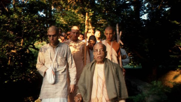 Srila Prabhupada and disciples on morning walk in gardens