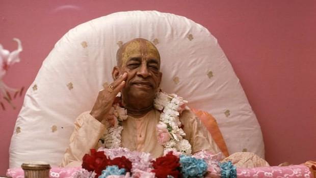 Prabhupada on Pink Vyassasana Smiling