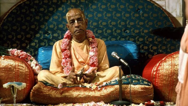 Srila Prabhupada on Vyassasana Playing Kartals
