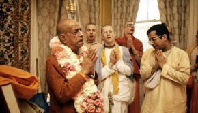 Srila Prabhupada at Deity Greeting
