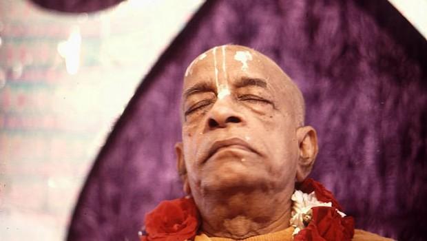 Srila Prabhupada meditating on Krishna