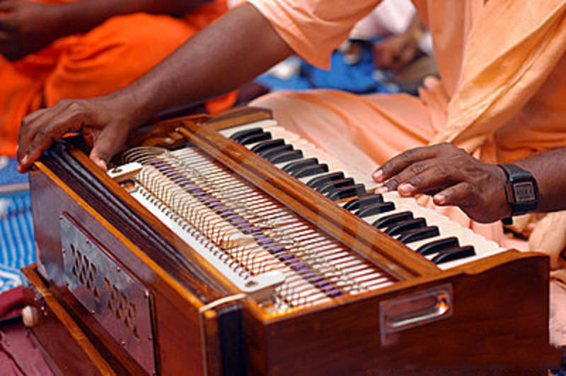 Instruments of Kirtan: Harmonium, Mridanga and Kartals -- and Where